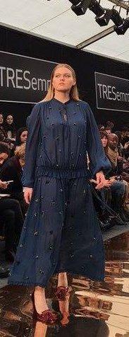 couchel vestido azul